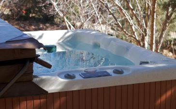 jacuzzi in tuin