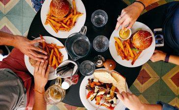 mensen eten